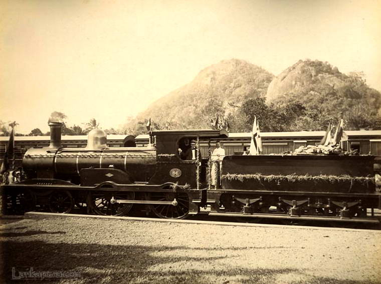 railway-engine-66-kurunegala-in-1909